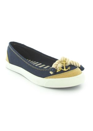 Tulip Pump in Navy and Natural