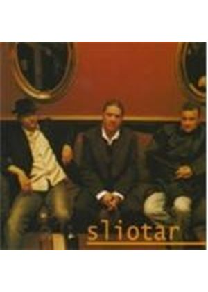 SLIOTAR - Crew Of Three